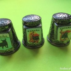 Coleccionismo de dedales: TRES DEDALES UN METAL MOTIVOS ESPAÑOLES . Lote 124059099
