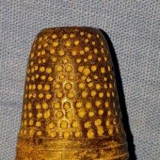 Coleccionismo de dedales: ANTIGUO DEDAL SIGLO XVIII. Lote 133680295