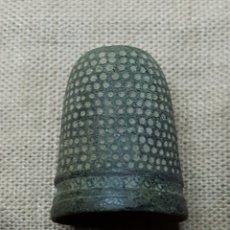 Coleccionismo de dedales: ANTIGUO DEDAL SIGLO XVIII. Lote 133867553