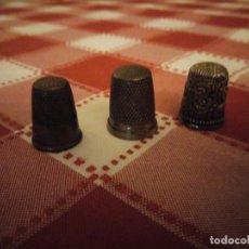 Coleccionismo de dedales: LOTE DE 3 DEDALES DE METAL ANTIGUOS.. Lote 146789650