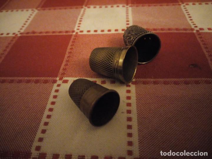 Coleccionismo de dedales: Lote de 3 dedales de metal antiguos. - Foto 4 - 146789650