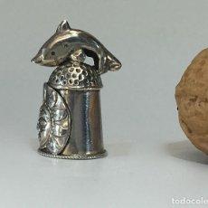 Coleccionismo de dedales: DEDAL DE PLATA. Lote 147612122