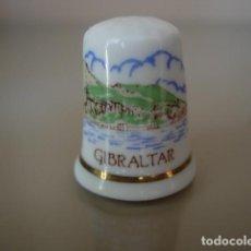 Coleccionismo de dedales: DEDAL CERAMICA GIBRALTAR. Lote 149800450