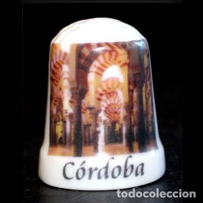 DEDAL PORCELANA - MEZQUITA (CORDOBA) (Coleccionismo - Dedales)