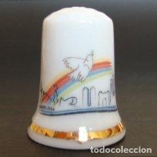 Coleccionismo de dedales: DEDAL PORCELANA - BARCELONA (SKYLINE) Y PALOMA DE LA PAZ (PICASSO). Lote 30996872
