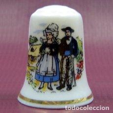 Coleccionismo de dedales: DEDAL PORCELANA LA BRETAGNE. Lote 39845860