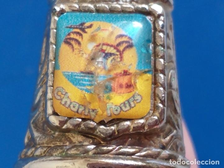 Coleccionismo de dedales: Antiguo dedal. Metal labrado plateado. Publicidad Charly tours. - Foto 6 - 178288975