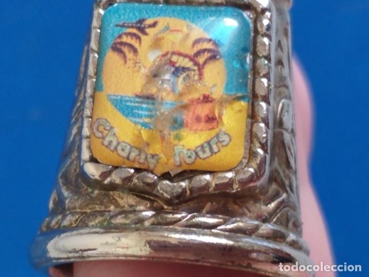 Coleccionismo de dedales: Antiguo dedal. Metal labrado plateado. Publicidad Charly tours. - Foto 7 - 178288975