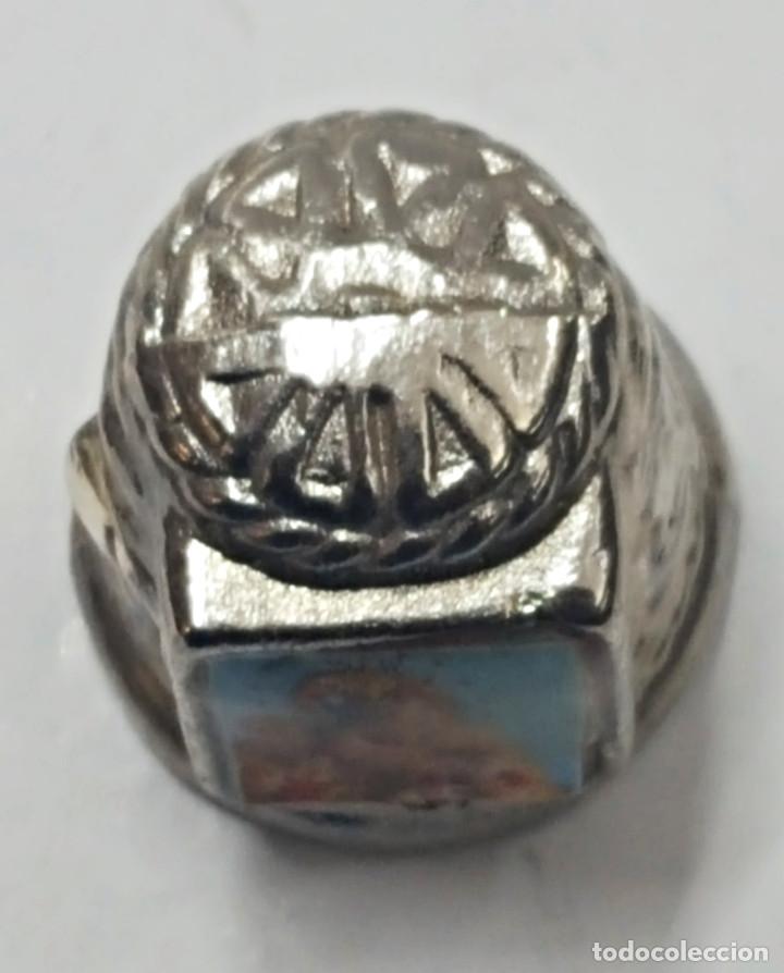 Coleccionismo de dedales: Antiguo dedal, metal labrado con imagen de la.Virgen del Rocio. - Foto 5 - 178970020