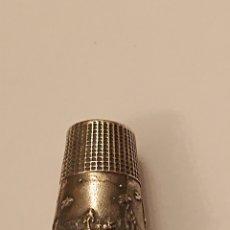 Coleccionismo de dedales: PRECIOSO DEDAL ANTIGUO PLATA DE LEY 925 CONSTRASTADA. Lote 183019530