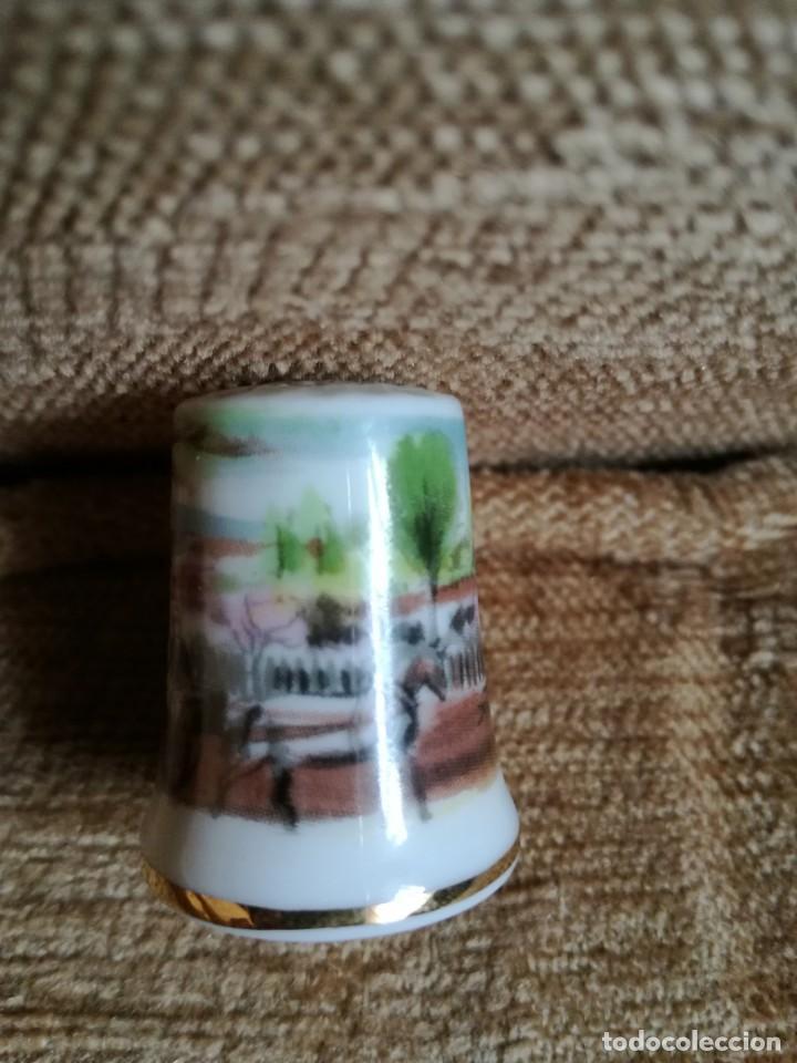 Coleccionismo de dedales: Dedal de porcelana - Foto 2 - 183688515