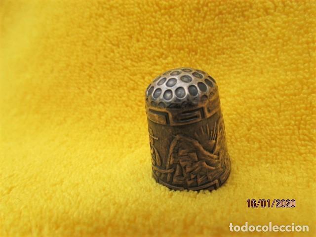 RARO DEDAL ÉPOCA COLONIAL DECORACIÓN ANDINA DE PLATA LEY 925 (Coleccionismo - Dedales)