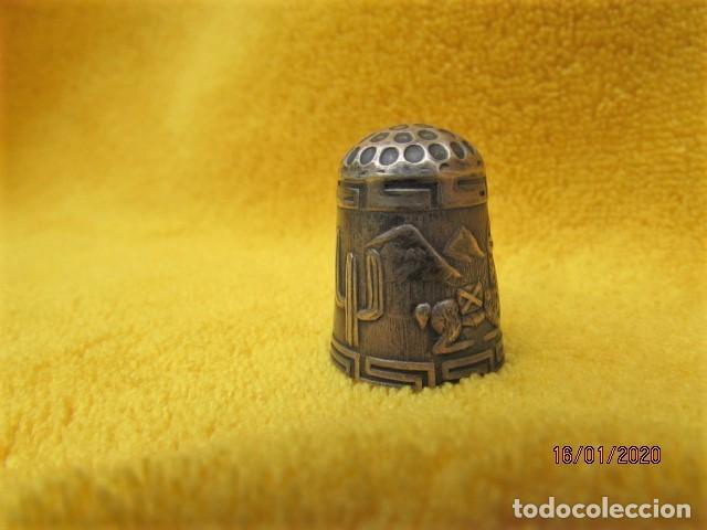 Coleccionismo de dedales: RARO DEDAL ÉPOCA COLONIAL DECORACIÓN ANDINA DE PLATA LEY 925 - Foto 2 - 191015395