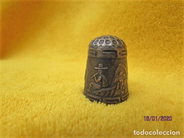 Coleccionismo de dedales: RARO DEDAL ÉPOCA COLONIAL DECORACIÓN ANDINA DE PLATA LEY 925 - Foto 3 - 191015395