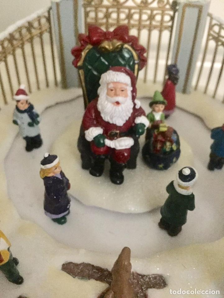 Coleccionismo de dedales: Adorno de navidad Papa Noel en pista de patinaje - Foto 3 - 191410388
