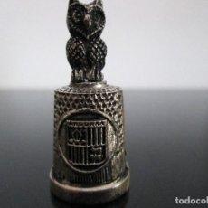 Coleccionismo de dedales: DEDAL ESCUDO ANDORRA CON LECHUZA METAL. Lote 204703453