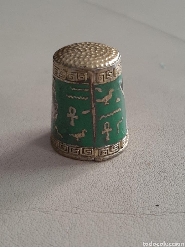 Coleccionismo de dedales: DEDAL DE METAL ESMALTADO EGIPCIO CON GEREOGLIFICOS - Foto 2 - 207107563
