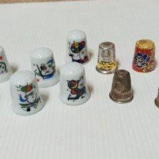 Coleccionismo de dedales: LOTE DE DEDALES VARIOS PORCELANA Y METAL. Lote 235619865