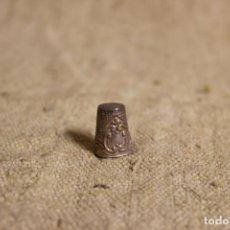 Coleccionismo de dedales: DEDAL DE PLATA. Lote 240905360