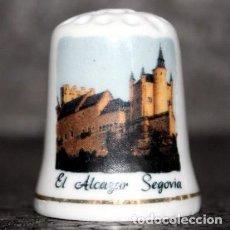 Coleccionismo de dedales: DEDAL PORCELANA - EL ALCAZAR (SEGOVIA). Lote 251420480