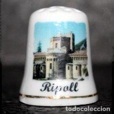 Coleccionismo de dedales: DEDAL PORCELANA - RIPOLL. Lote 251476285