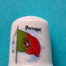 Coleccionismo de dedales: DEDAL DE COLECCION EN PORCELANA - BANDERA DE PORTUGAL - VER FOTOS. Lote 257631505