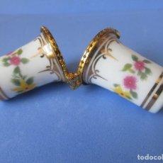 Coleccionismo de dedales: DEDAL DOBLE DE CERAMICA. Lote 266183503