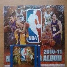 Coleccionismo deportivo: ALBUM VACIO PLANCHA NBA STICKERS 2010-11 PANINI + 2 SOBRES SIN ABRIR - . Lote 74702670