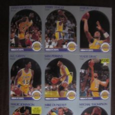Coleccionismo deportivo: 9 CROMOS OFICIALES NBA LAKERS 1990 HOJA ENTERA (MAGIC JOHNSON, WORTHY, DIVAC..) + FOTO + 2 PEGATINAS. Lote 30386325