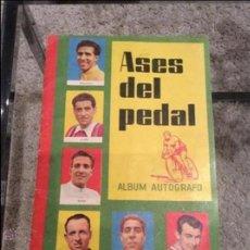 Coleccionismo deportivo: ASES DEL PEDAL 1960 COMPLETO. Lote 43776168