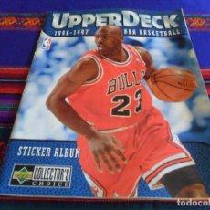 Coleccionismo deportivo: MICHAEL JORDAN UPPER DECK 1996 1997 NBA BASKETBALL INCOMPLETO CON 23 CROMOS DE 186 Y EL PÓSTER. RARO. Lote 95664767