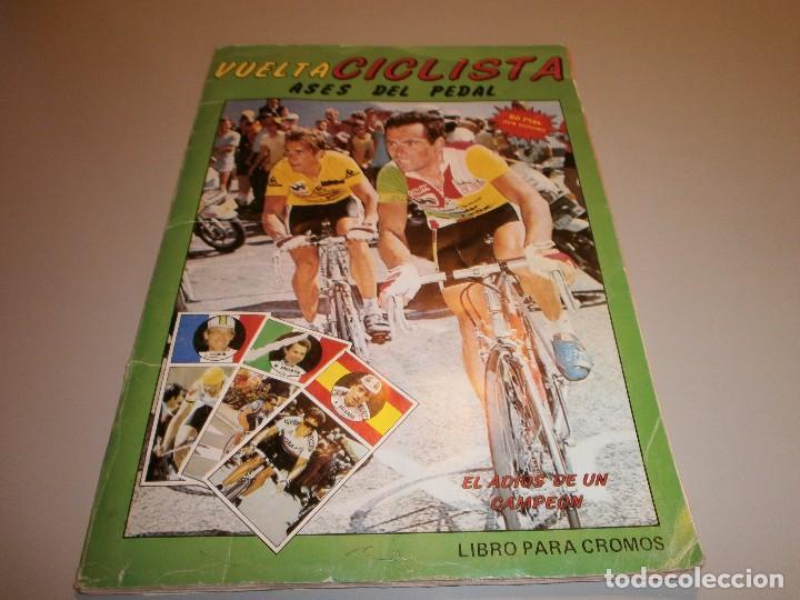 ALBUM COMPLETO VUELTA CICLISTA ASES DEL PEDAL VER FOTOS (Coleccionismo Deportivo - Álbumes otros Deportes)