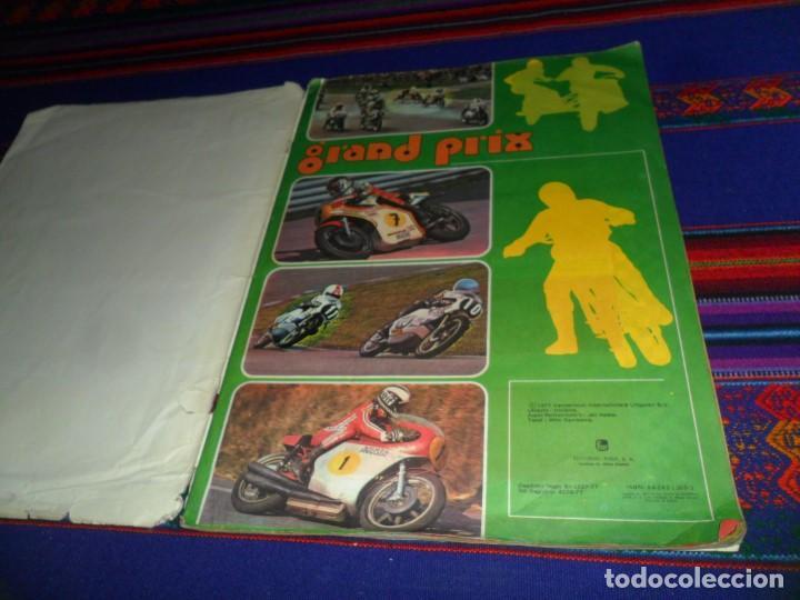 Coleccionismo deportivo: GRAND PRIX COMPLETO. EDITORIAL FHER 1977. MOTOCICLISMO MOTORISMO. DIFÍCIL. - Foto 2 - 108236107