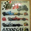 Coleccionismo deportivo: ALBUM COMPLETO GP MARCA FÓRMULA 1 F1 Y MOTO GP A TODO GAS 2005 FERNANDO ALONSO VALENTINO ROSSI. Lote 114726379