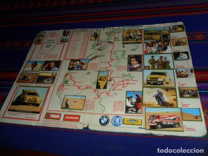Coleccionismo deportivo: CARPETA ÁLBUM PARÍS DAKAR 87 COMPLETO 39 CROMOS. TELE INDISCRETA. RARO. - Foto 2 - 115567883