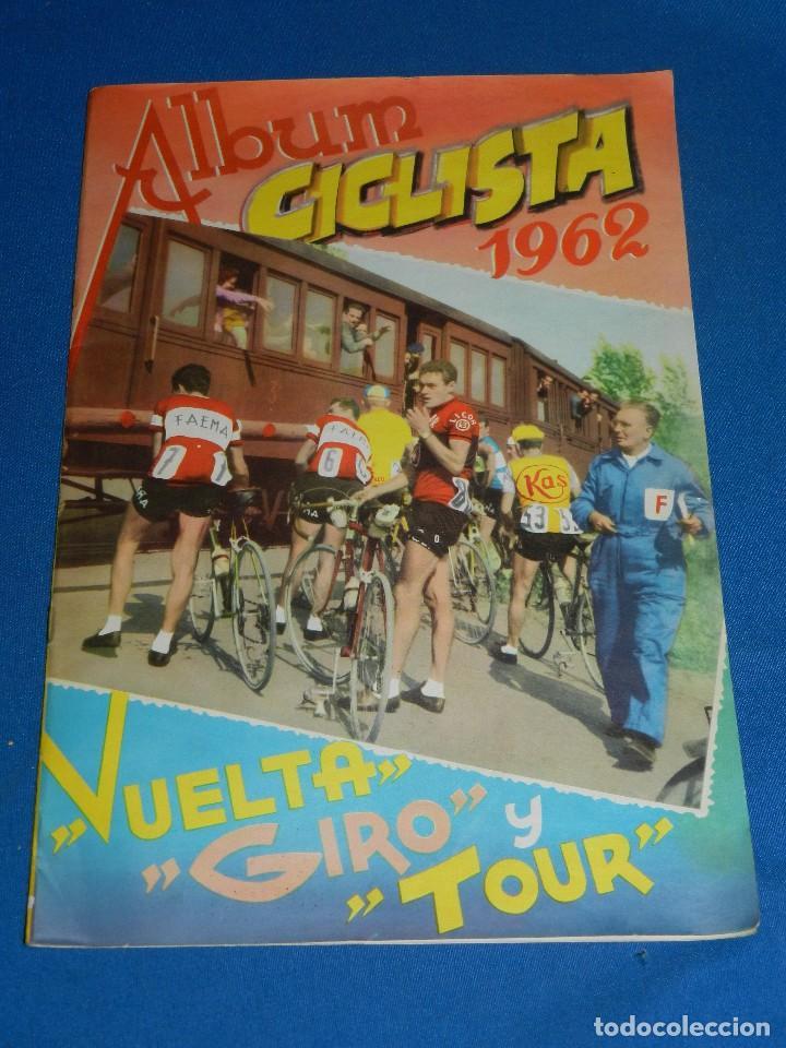 ALBUM CICLISTA 1962 VUELTA GIRO Y TOUR , CROMOS EVA, COMPLETO , IMPECABLE ESTADO DE CONSERVACION (Coleccionismo Deportivo - Álbumes otros Deportes)