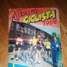 Coleccionismo deportivo: ALBUM CICLISTA-1962-VUELTA,GIRO Y TOUR COMPLETO -VASCO AMERICANA + SOBRE CROMOS. Lote 147989438