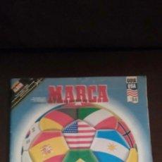Coleccionismo deportivo: SUPER ÁLBUM GUIA MARCA USA 94 SUPERFUTBOL COMPLETO CON POSTER CENTRAL. Lote 168113758