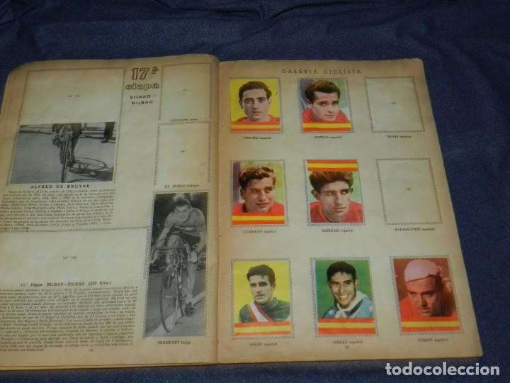 Coleccionismo deportivo: ALBUM VUELTA CICLISTA A ESPAÑA 1959 EDT FHER, CONTIENE 126 CROMOS DE 201, SEÑALES DE USO - Foto 9 - 216552988