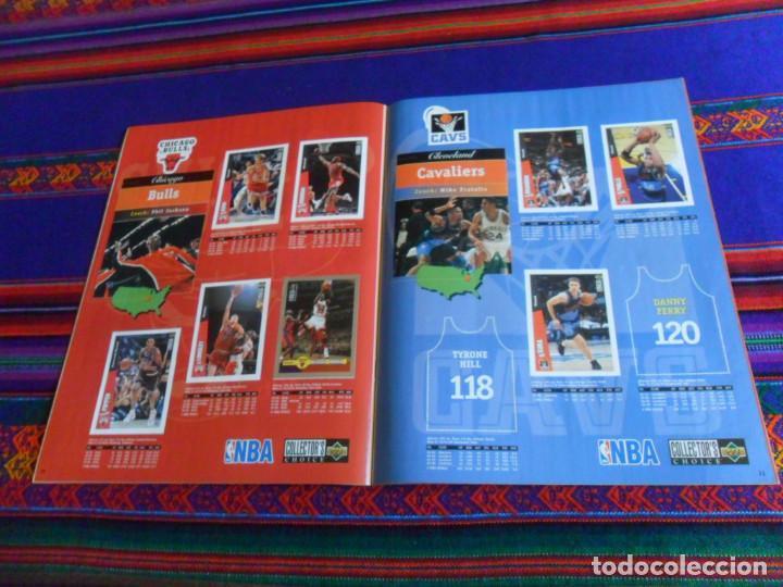 Coleccionismo deportivo: CON CROMO DE MICHAEL JORDAN 1996 1997 NBA BASKETBALL STICKER ALBUM INCOMPLETO. UPPER DECK. BE. RARO. - Foto 7 - 228562430
