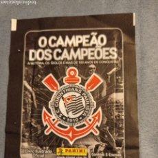 Coleccionismo deportivo: SOBRE SIN ABRIR CORINTHIAS DE PANINI, EL DE LA FOTOGRAFÍA. Lote 239951540