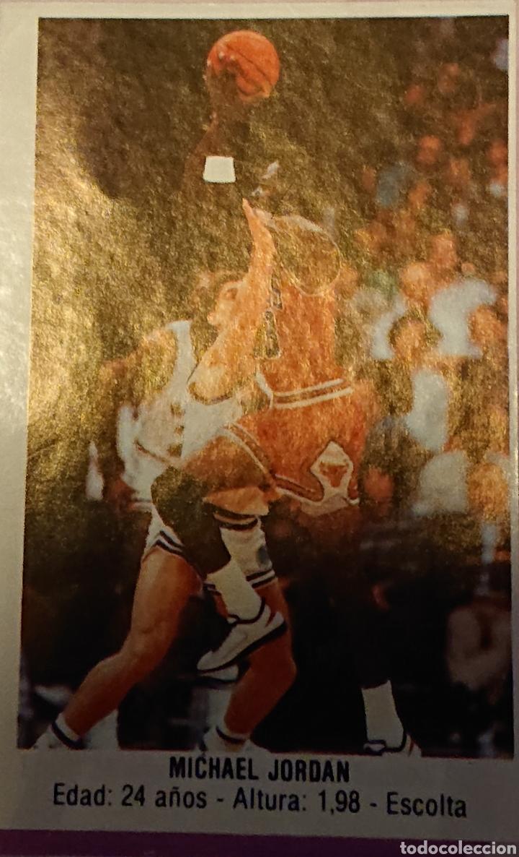 Coleccionismo deportivo: Álbum cromos baloncesto 88, incompleto con dos cromos Michael Jordan, - Foto 3 - 256021855
