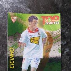 Coleccionismo deportivo: N° 556 CICINHO TOP VERDE QUIZ GAME MUNDICROMO 2012/2013. Lote 275282308