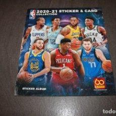Coleccionismo deportivo: COMPLETA NBA 2020 2021 BALONCESTO PANINI ALBUM 500 CROMOS SIN PEGAR + MAS LAS 100 TARJETAS PERFECTO. Lote 275705283