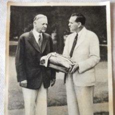Coleccionismo deportivo: FOTO CROMO OLIMPIADA DE LOS ÁNGELES. 1932. Nº 1. PRESIDENTE USA HERBERT HOOVER. HECHO 1936 BERLÍN. Lote 120096775