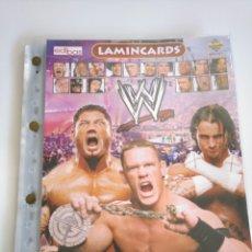 Coleccionismo deportivo: ÁLBUM INCOMPLETO WWE LAMINCARDS 2007 EDIBAS CON 108 CROMOS. Lote 159671290