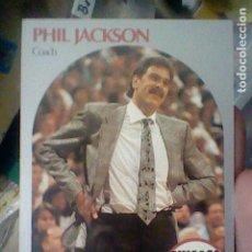 Coleccionismo deportivo: PHIL JACKSON CHICAGO Nº 308 NBA 1990 HOOPS CROMO DETERIORADO LEER 9 X 6,5 CMS. Lote 191927130
