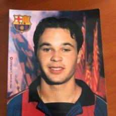 Coleccionismo deportivo: FCBARCELONA POSTAL ANDRES INIESTA ROOKIE. Lote 225901521
