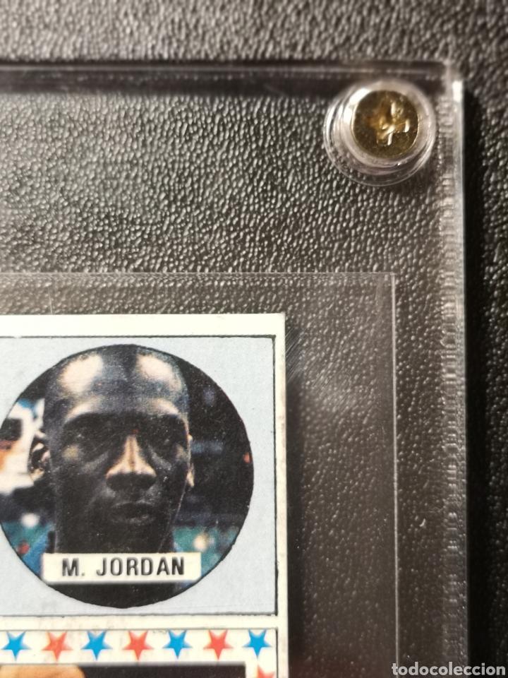 Coleccionismo deportivo: MICHAEL JORDAN CHICAGO BULLS ROOKIE CARD BALONCESTO 1986-1987 CONVERSE NBA MERCHANTE N. 163. - Foto 4 - 254992055