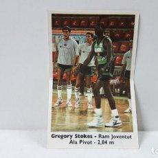 Coleccionismo deportivo: CROMO PEGATINA BASKET - CROMOS 88 - 89 . GREGORY STOKES . PROMOCIONAL DE BOLLYCAO . AÑOS 80. Lote 289537833
